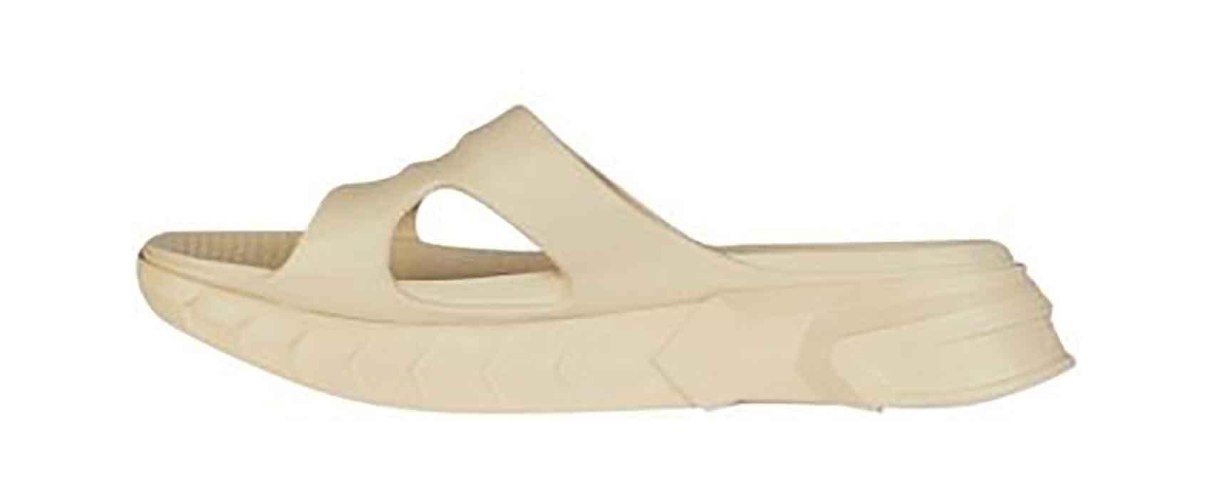 Givenchy. אזעקת טרנד: מגמות הנעליים המובילות קיץ 2021