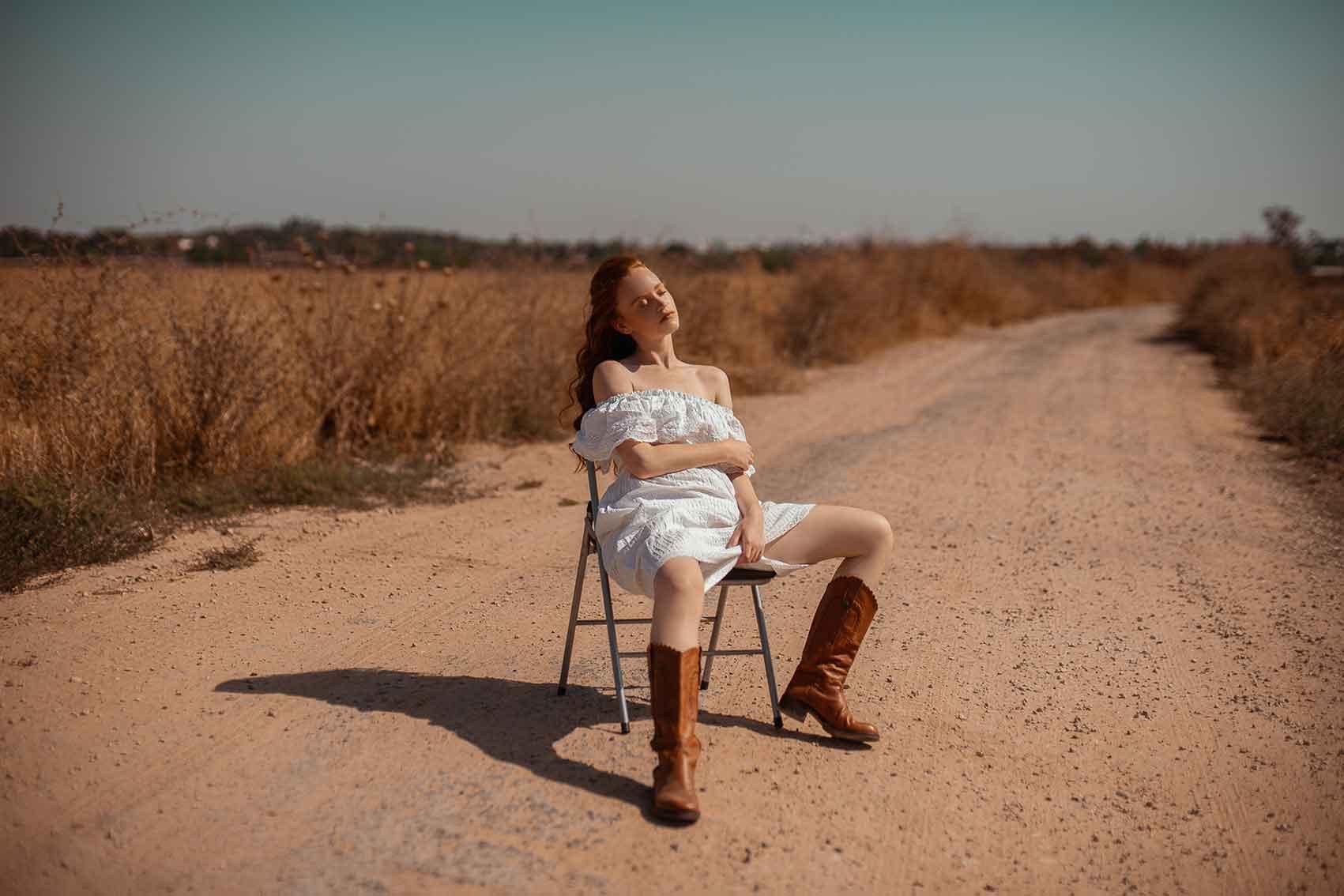 צילום: ליהי אדל חסון, סטיילינג: דניאל לוי, איפור: זיוות הרשקו, עיצוב שיער: גל זיגדון, דוגמנית: דנה קושניר-14