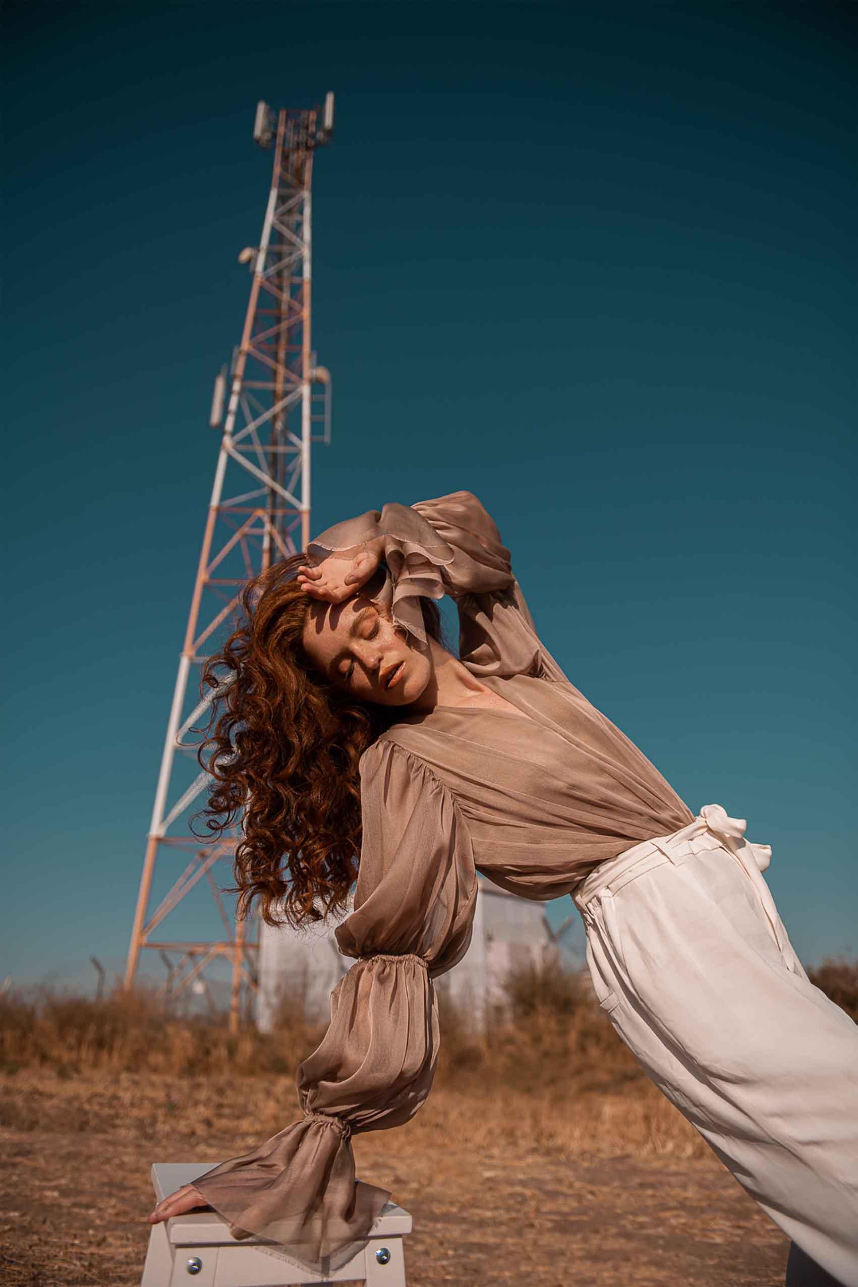צילום: ליהי אדל חסון, סטיילינג: דניאל לוי, איפור: זיוות הרשקו, עיצוב שיער: גל זיגדון, דוגמנית: דנה קושניר-18