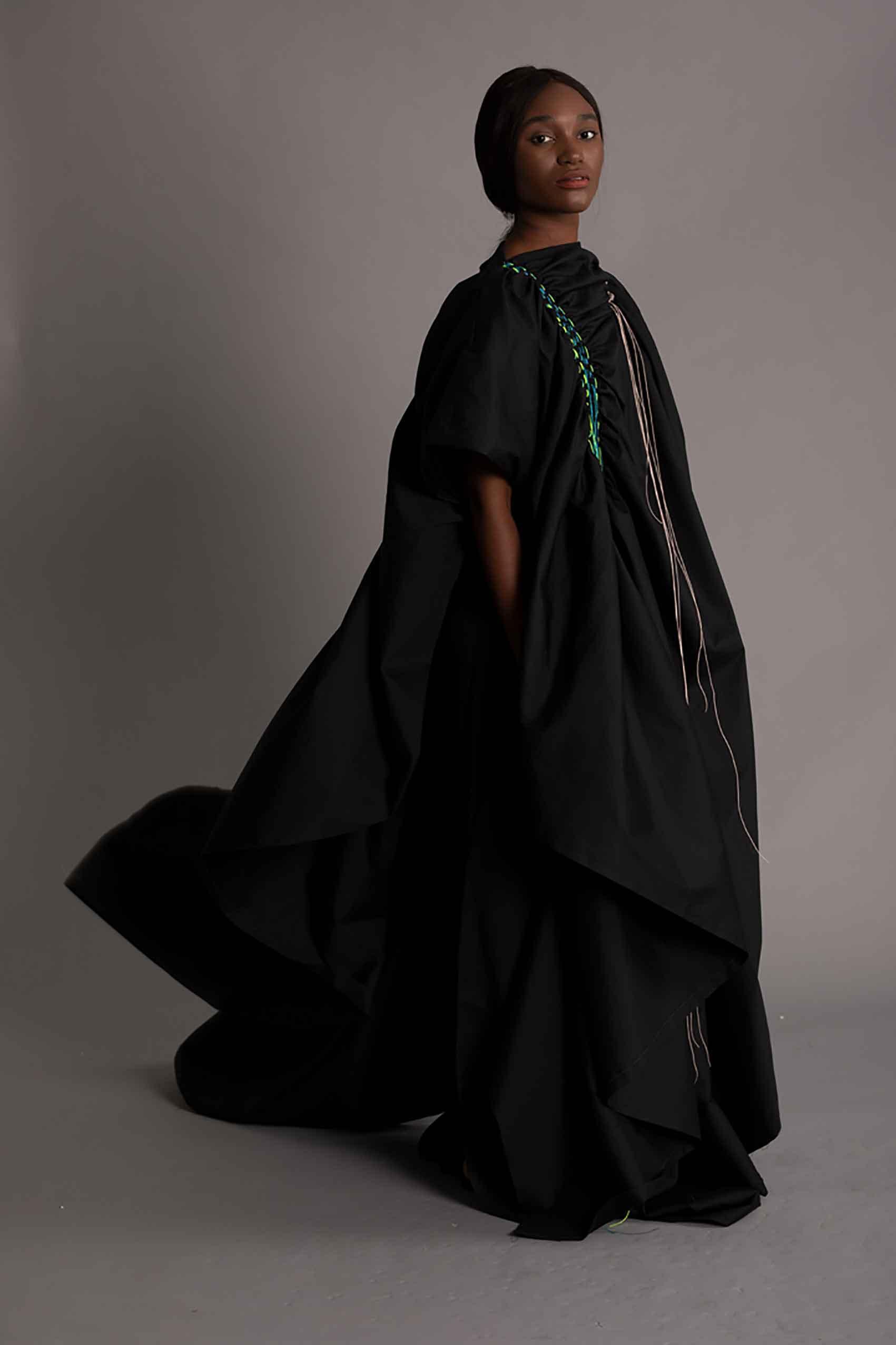 """אריג' זרקאוי, """"חופש"""": הניגודיות בין העולם המסורתי המוסלמי לבין הצורך של האישה המוסלמית המודרנית לתפיסת חיים משוחררת ועכשווית. צילום: צורי אדמוני-5"""